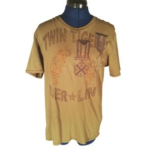 Guess Berlin Twin Tiger Graphic T-Shirt Size Med